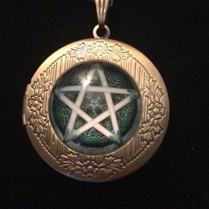 Jewelry - Five Star Locket